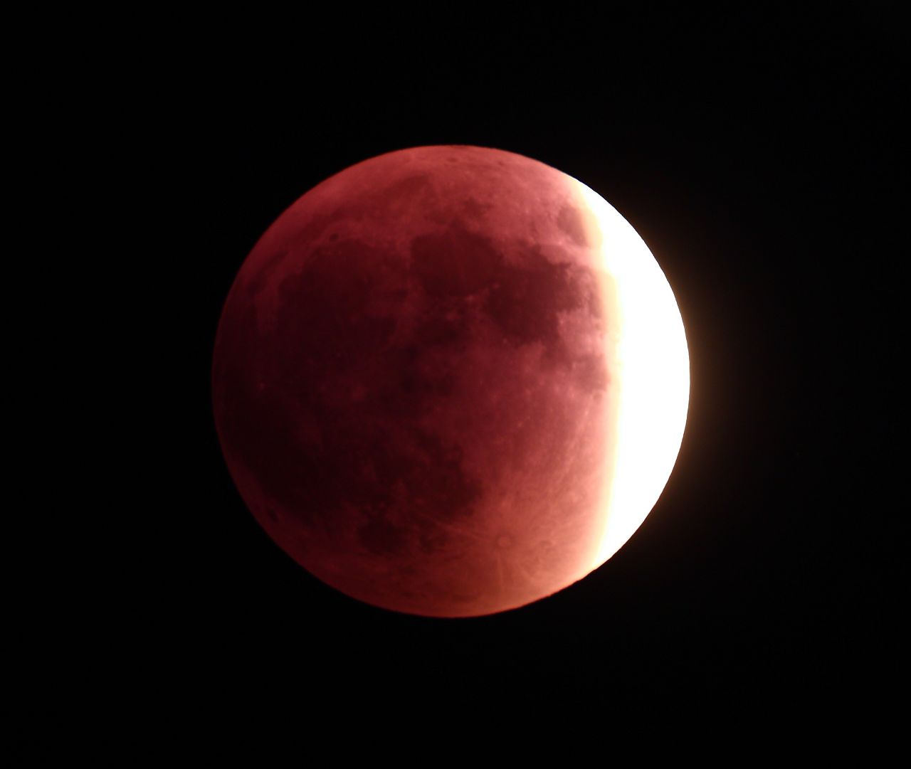Colouring sheets of the lunar eclipse - The Eclipse Progresses On Sept 27th 2015 6 20 Pm