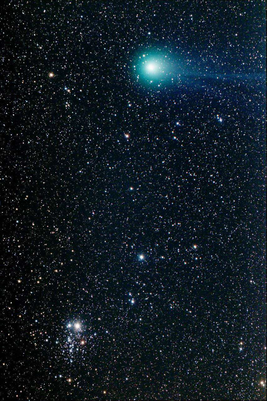 movement of comets This website is centered around comets and features facts about specific comets, meteor showers and famous begin to track and record the movement of comets.